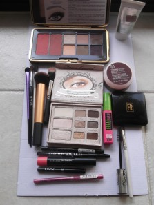 TARTE AMAZON PALETTE; TOO FACED NATURAL EYE; BODY SHOP VIT E INTENSE MOISTURISER; FLORI ROBERTS CREAM TO POWDER FOUNDATION; MAYBELLINE GREAT LASH; NYX PENCILS; SEPHORA LIP GLOSS, and the brushes used