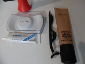 Tools  SEPHORA COLLECTION Bulls Eye Lash Applicator DUO eyelash adhesive LASH - unknown - I store them in the MAC lash container